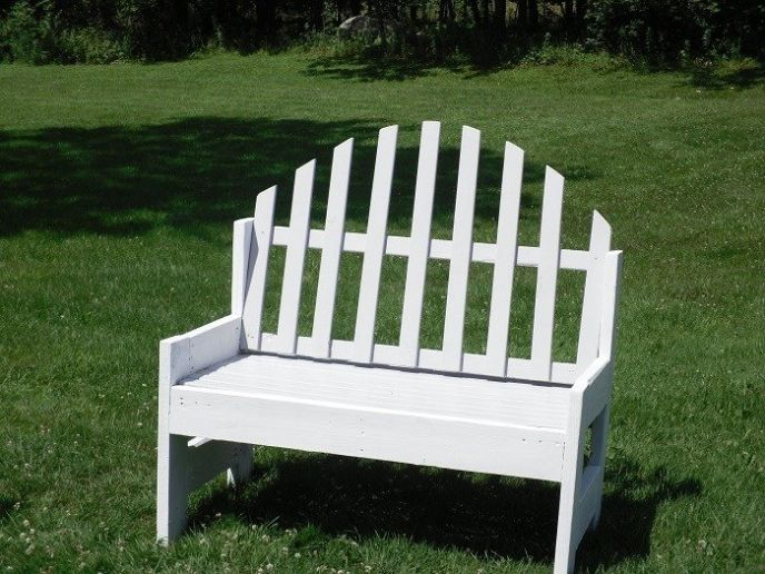 Upcycled Garden Bench DIY