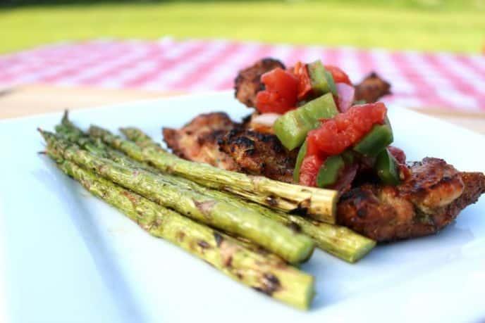 Easy Homemade Chunky Salsa on Chicken