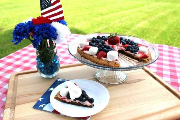 Patriotic Cookie Pizza Dessert
