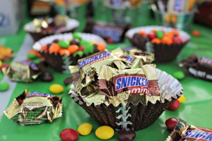 SNICKERS and Skittles Treat Cups