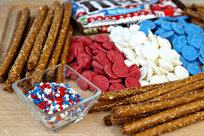 4th of July Pretzel Stick Desserts