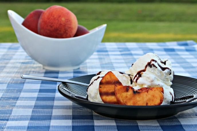 Dessert Grilled Peaches with Ice Cream
