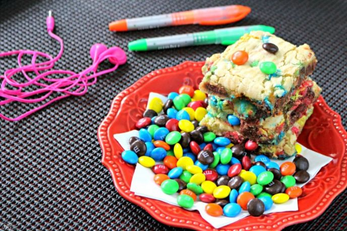 Cake Mix M&M's® Cookie Bars Recipe