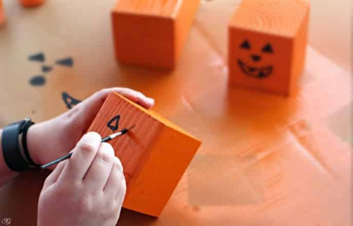 DIY Halloween Pumpkin Jack O' Lantern Decor