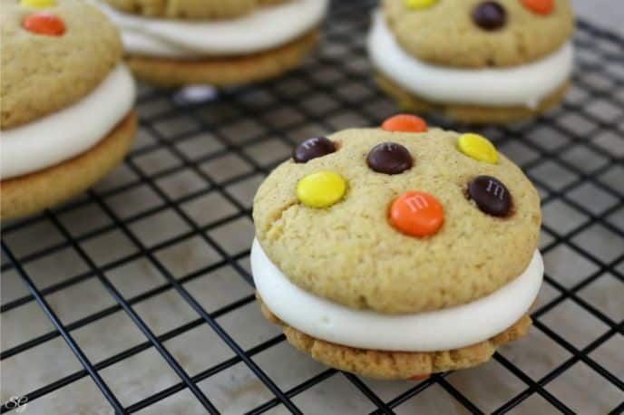 Pumpkin Cream Cheese Whoopie Pies