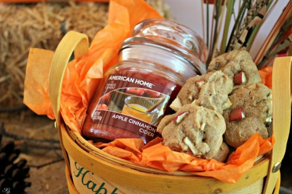 Yankee Candle Fall Gift Basket Idea