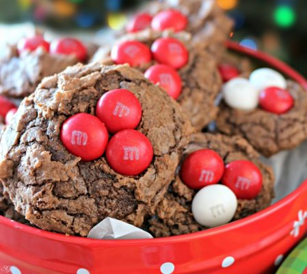 Easy peppermint brownie cookies. A brownie cookie recipe with M&M's