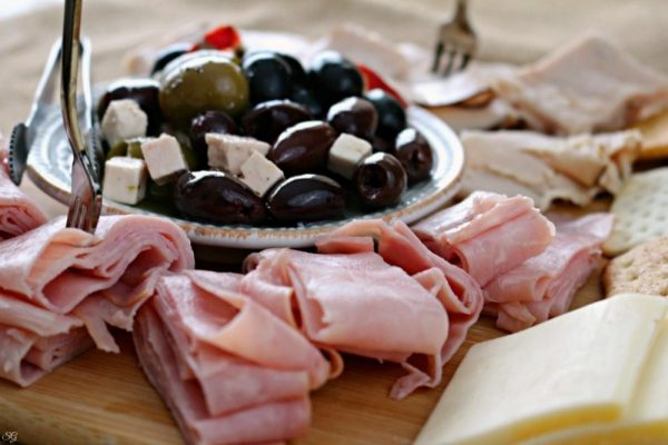 Antipasto Board with Castle Wood Reserve Deli Meat