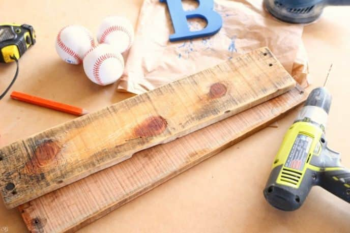 Pallet wood baseball DIY project