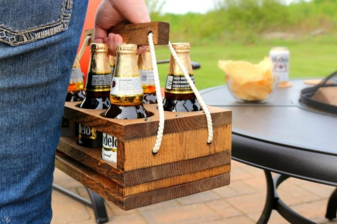 DIY Wooden Beer Caddy