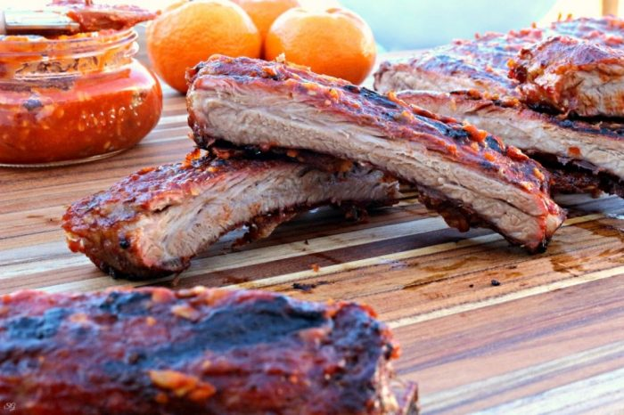 Grilled ribs with sugar free BBQ sauce