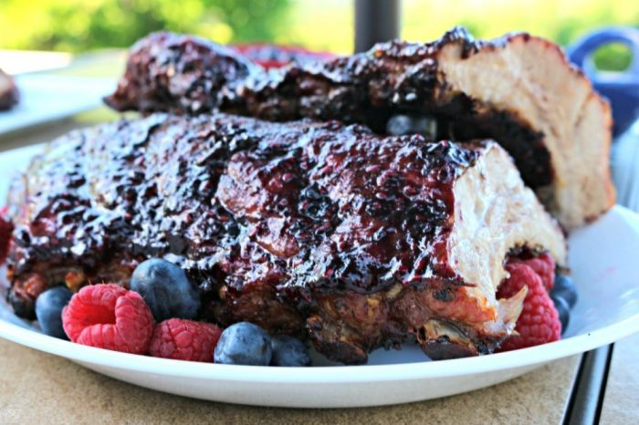 Barbecue Raspberry Blueberry Sauce for Pork Ribs