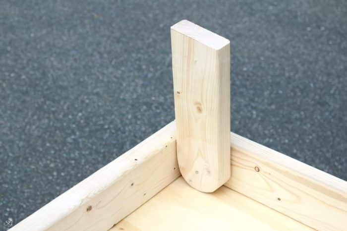 Dry fitting 2x4 wood legs with radius and angle cut