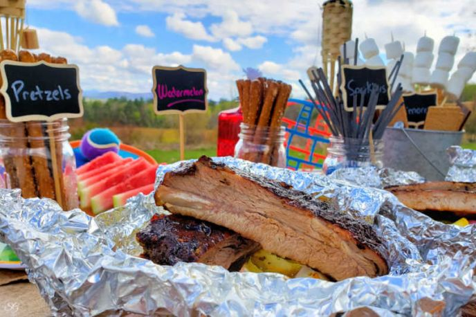 Grilled Veggie Foil Packs With Marinated Pork Ribs – Backyard BBQ