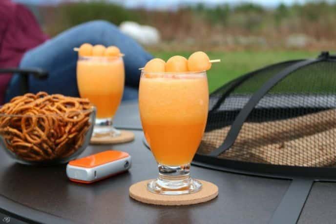 Easy cantaloupe melon cocktail recipe.