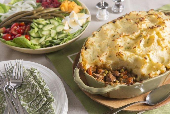Shepherds Pie beef and potato traditional Irish recipe