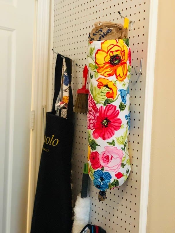 Plastic bag dispenser DIY sewing project
