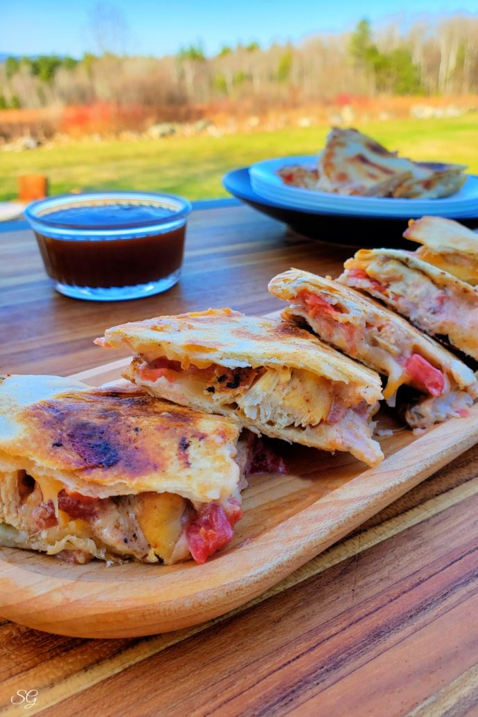 Chicken quesadillas, an easy BBQ recipe with grilled tortillas filled with chicken quesadilla filling
