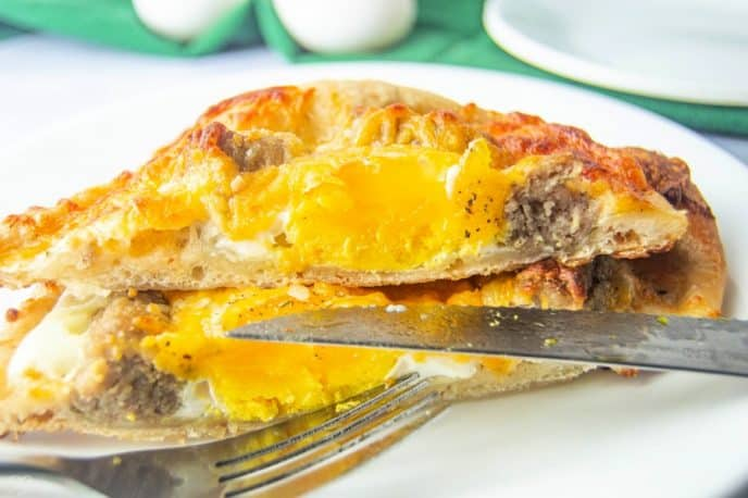 Delicious sausage breakfast pizza recipe