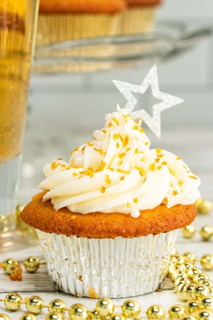 New Years dessert recipe, champagne cupcakes with buttercream frosting.