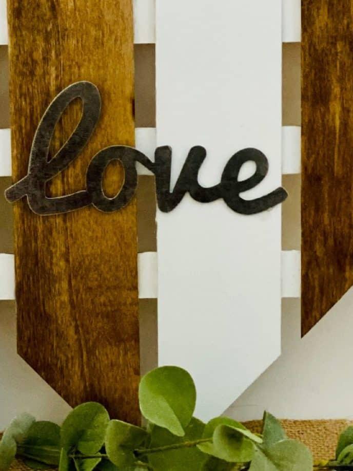 Valentines gift DIY love heart sign