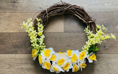 How to Make A Flower Wreath with Daffodils