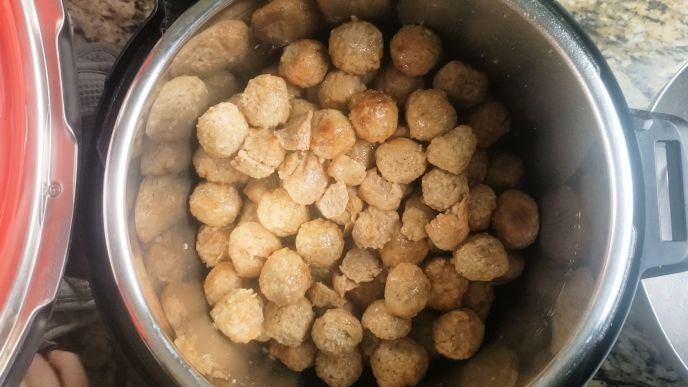 Meatballs cooked in the instant pot