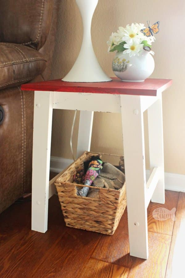 Side table DIY farmhouse decoration makeover project