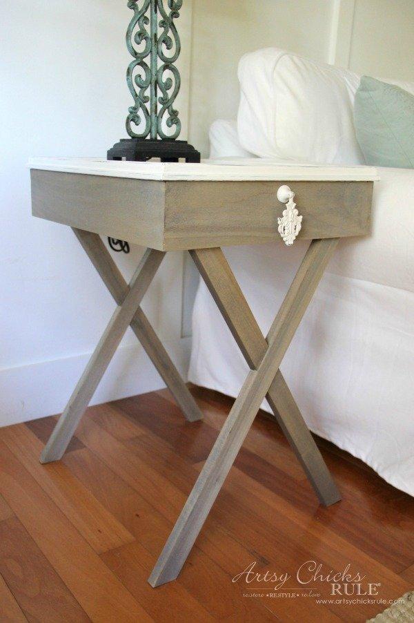 Criss-cross leg end table