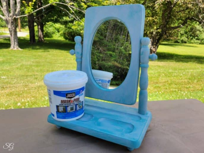 After picture of the painted mirror frame.