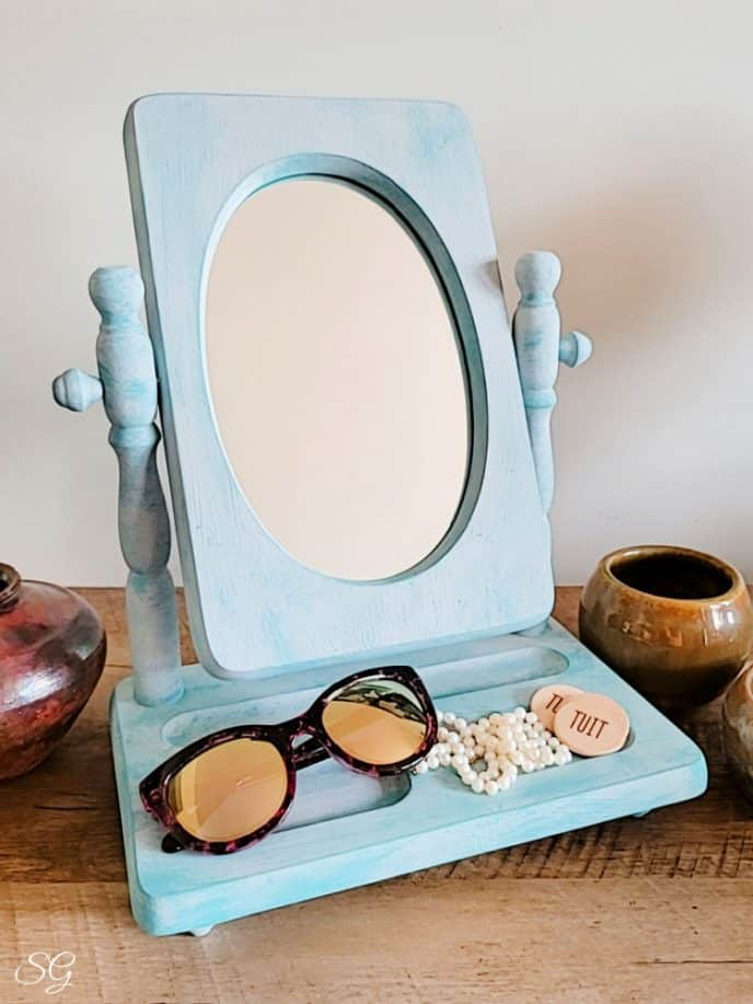 Painting a mirror frame